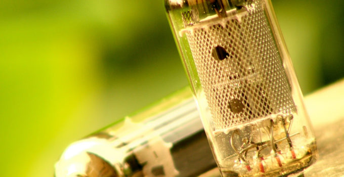How to clean vacuum tubes